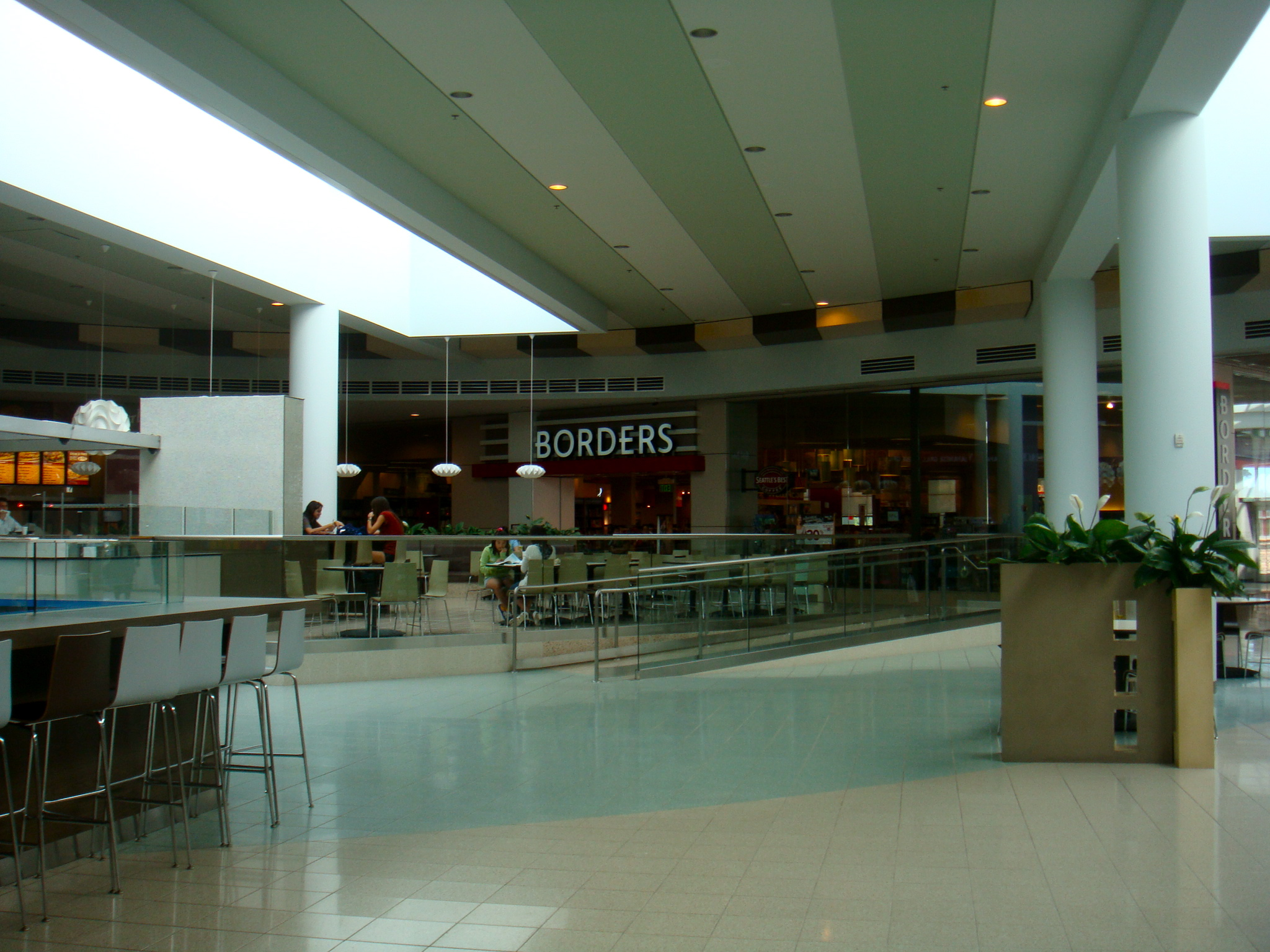 28840f20b4f08 I am officially declaring Plaza Bonita Mall my favorite San Diego indoor  mall !